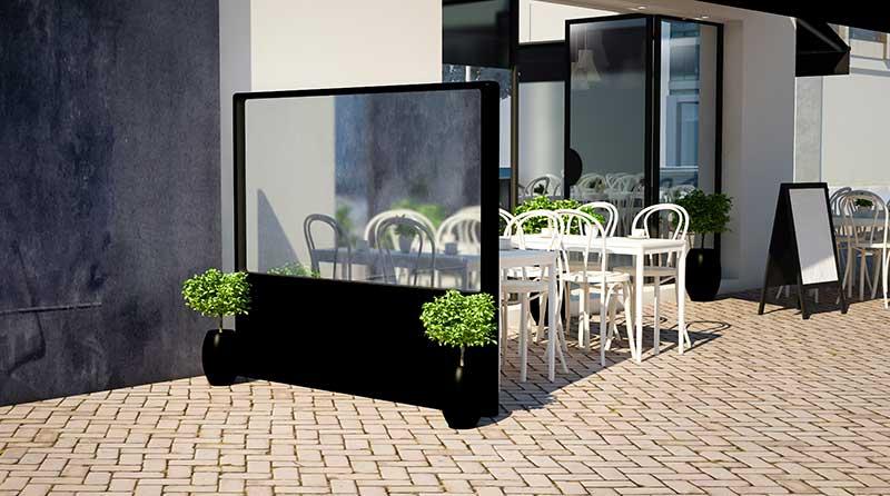 paravientos jardineras en un negocio de hosteleria