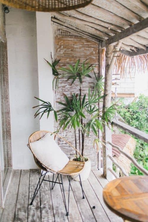terrazas frescas en verano con toldos